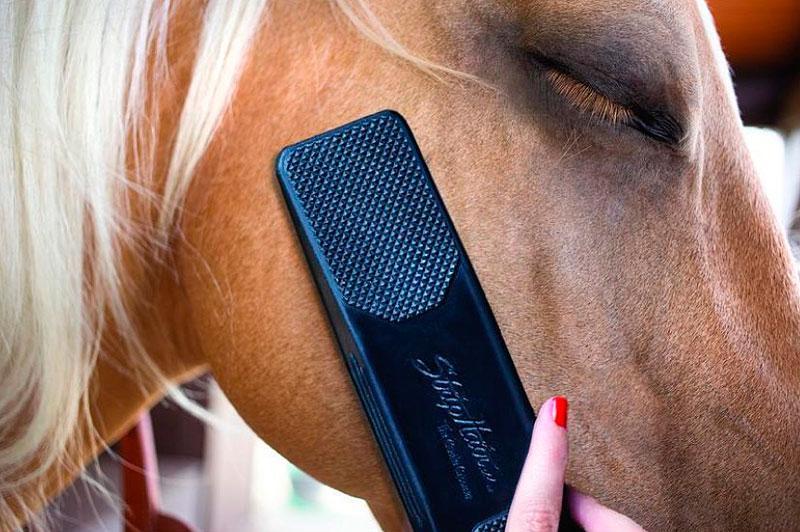 TIBO Equestrian presents: StripHair Gentle Groomer